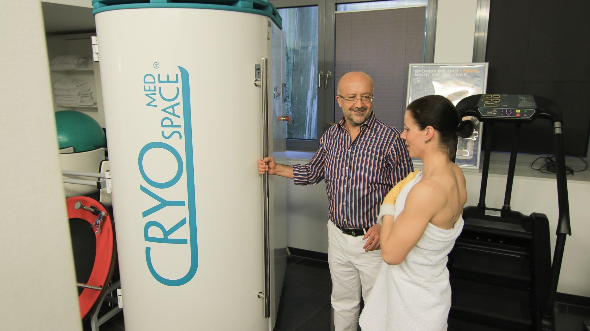 Physikalische und apparative Medizin - Kältekammer CryoSpace Med